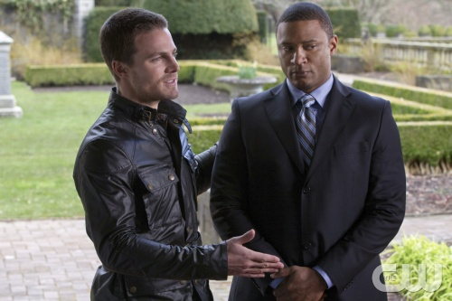 """Pilot"" -- Pictured (L-R): Stephen Amell as Oliver Queen and David Ramsey as Diggle in ARROW on The CW. Photo: Jack Rowand/The CW ©2012 The CW Network. All Rights Reserved."