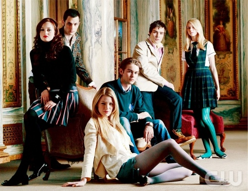 Pictured: (Back Row) Penn Badgley as Dan, Ed Westwick as Chuck, Taylor Momsen as Jenny. (Middle Row) Leighton Meester as Blair, Chace Crawford as Nate. (Front Row) Blake Lively as Serena in GOSSIP GIRL on The CW. Photo Credit: The CW / Timothy White &copy; 2007 The CW Network, LLC. All Rights Reserved.