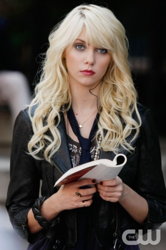 &quot;Dan de Fleurette&quot;  Pictured: Taylor Momsen as Jenny  Photo Credit: Giovanni Rufino / The CW  &copy; 2009 The CW Network, LLC. All Rights Reserved.