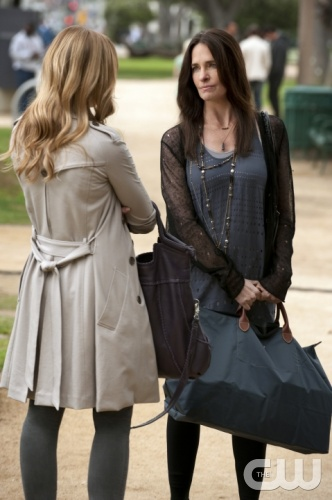 &quot;The Wrong Goodbye&quot; --  Pictured (L-R) Kaylee Defer as 'Charlie' Rhodes and Sheila Kelley as Carol Rhodes on Gossip Girl on The CW. Photo: Colleen E. Hayes/ THE CW 2011 The CW Network, LLC. All Rights Reserved