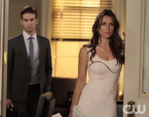 """The Jewel of Denial"" Pictured (L-R) Chace Crawford as Nate Archibald and Elizabeth Hurley as Diana Payne in GOSSIP GIRL on THE CW. PHOTO CREDIT: Giovanni Rufino©2011 The CW Network, LLC. All Rights Reserved"