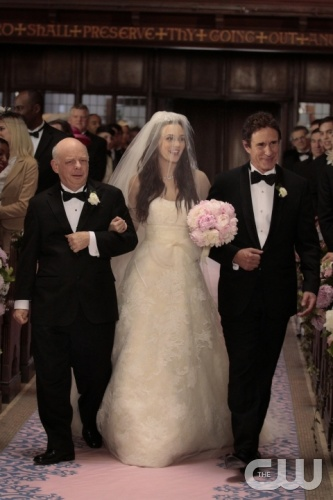 &quot;G.G.&quot; - Wallace Shawn as Cyrus Rose, Leighton Meester as Blair Waldorf and John Shea as Harold Waldorf in GOSSIP GIRL on The CW.  Photo: Giovanni Rufino/The CW&copy;2011 The CW Network, LLC. All Rights Reserved.