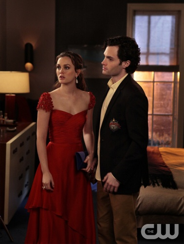 &quot;Crazy Cupid Love&quot; GOSSIP GIRL Pictured (L-R) Leighton Meester as Blair Waldorf and Penn Badgley as Dan Humphrey PHOTO CREDIT:  GIOVANNI RUFINO/&copy;2012 The CW Network, LLC. All Rights Reserved