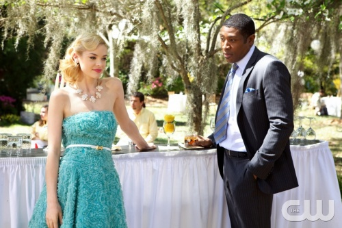 HART OF DIXIE &quot;Pilot&quot; PICTURED (L-R): Jaime King as Lemon Breeland and Lavon Hayes PHOTO CREDIT: Michael Tackett/The CW &copy; 2011 The CW Network, LLC. All rights reserved