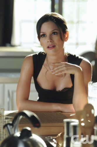 &quot;In Havoc and In Heat&quot;-- Pictured Rachel Bilson as Dr. Zoe Hart  in HART OF DIXIE on THE CW. Photo Credit: Michael Yarish/The CW&copy;2011 The CW Network, LLC. All Rights Reserved
