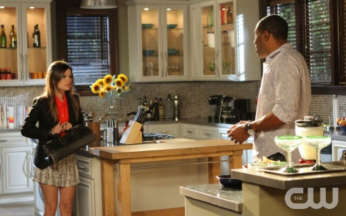 """The Undead and the Unsaid""-- Pictured (L-R) Rachel Bilson as Dr. Zoe Hart and Cress Williams as Lavon Hayes  in HART OF DIXIE on THE CW. Photo Credit: Greg Gayne/The CW©2011 The CW Network, LLC. All Rights Reserved"