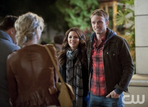 Hart of Dixie -- &quot;Islands in the Stream&quot; -- Pictured (L-R): Rachel Bilson as Dr. Zoe Hart and Wilson Bethel as Wade -- Image Number: HA212a_0467b.jpg -- Photo: Jamie Trueblood/The CW -- &copy; 2013 The CW Network, LLC. All rights reserved.