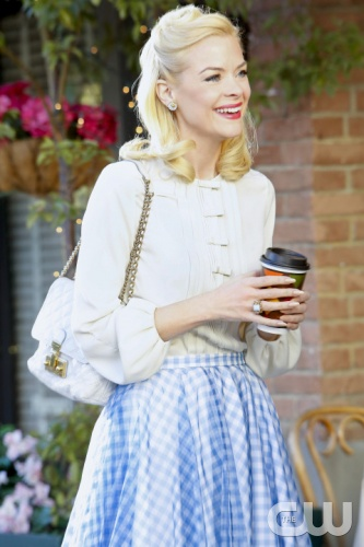 "Hart of Dixie -- ""Where I Lead Me"" -- Pictured: Jaime King as Lemon Breeland -- Image Number: HA216a_0034b.jpg -- Photo: Greg Gayne/The CW -- © 2013 The CW Network, LLC. All rights reserved."