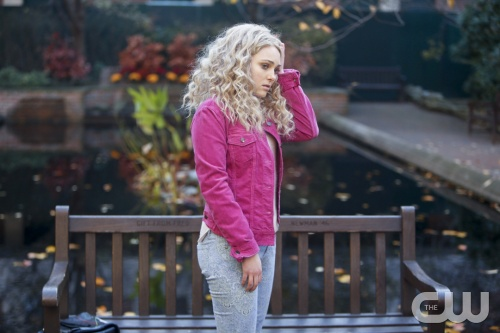 The Carrie Diaries -- &quot;Read Before Use&quot; -- Pictured: AnnaSophia Robb as Carrie -- Image Number: CD103b_0302b.jpg -- Photo: Barbara Craig Blankenhorn/The CW -- &copy; 2012 The CW Network, LLC. All rights reserved.