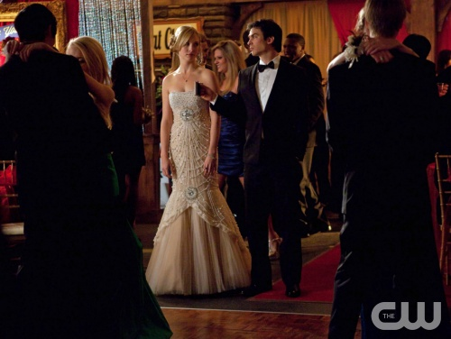 "The Vampire Diaries -- ""Pictures of You"" -- Pictured (L-R): Candice Accola as Caroline and Ian Somerhalder as Damon -- Image Number: VD419a_0054.jpg Photo: Annette Brown/The CW -- © 2013 The CW Network, LLC. All rights reserved."